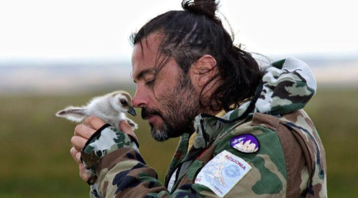 Felipe Camiroaga, chilean TV presenter and devoted animal lover died in an accident. Rest in Peace...