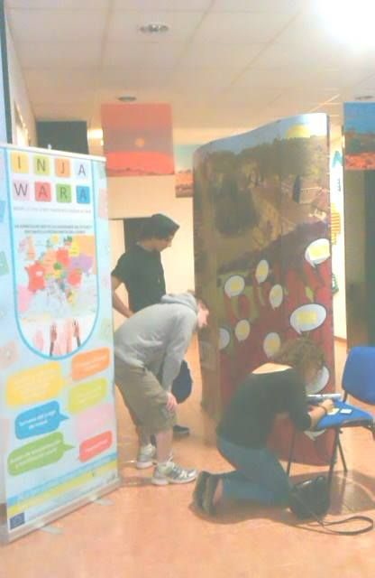 Injawara was present at Russafart event where 230 artists in 80 spaces presented an expo about the 8MDG's across the urban art (graffiti).  Another way to show the people how the world can be changed!