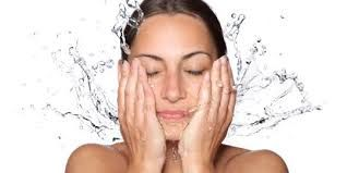 Below is how to care for oily face right 1. Regularly wash your face Wash your face at least twice a day with a face wash soap . Of course, a special face wash soap to remove the oil on the face , and must be in accordance with your skin . Do not wash your face too often in one day , is to reduce the production of sebum . Use a facial cleansing oil-based remover as sebum . When cleaning your face do  Read More http://morefemale.com/take-care-oily-face-properly/