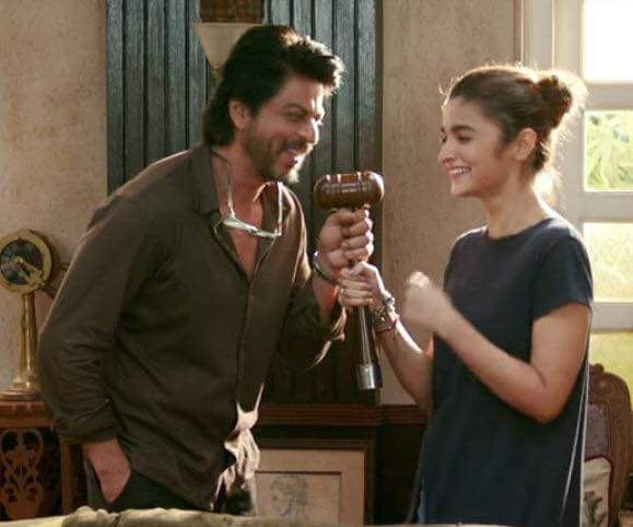 Dearzindagi Movie Stills Ft Shah Rukh Khan Alia Bhatt Kunal