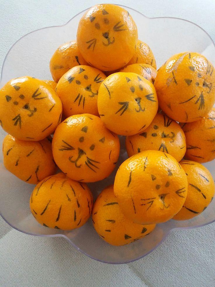 Meyveden kaplan, lezzetli etkinlik, vitamin deposu, parti hazırlığı