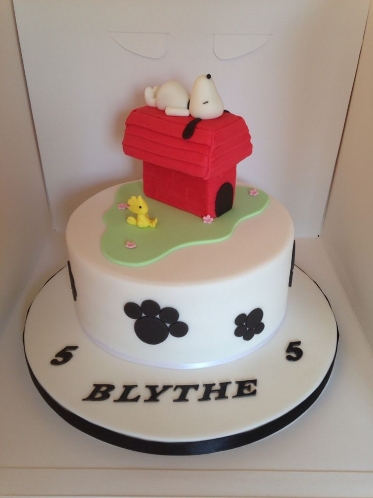 42 best Snoopy images on Pinterest Cupcake toppers Snoopy