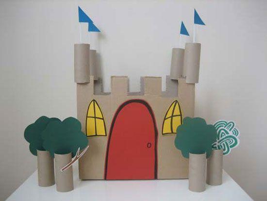 Leuke site met allerlei Knutsel projecten om met je kinderen te doen. Dit kasteel is gemaakt van karton en WC rolletjes. Fijn om in de vakantie je kinderen (en jezelf!) bezig te houden.