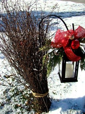 Lanters, ribbon, shepard's hook  Itsy Bits and Pieces: The Bachman's Holiday Ideas House Part 3...