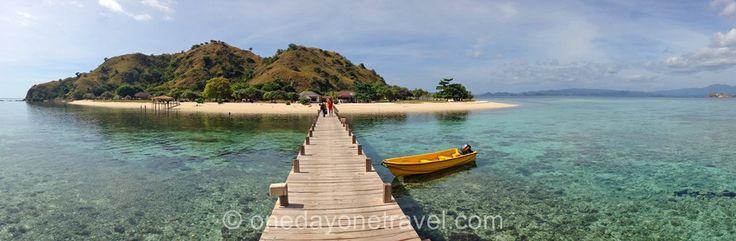 Attention Coup de coeur ! On a trouvé le Paradis et ça a été très dur de le quitter ! Voici #Kanawa Island, au large de Labuan Bajo, à l'ouest de #Flores