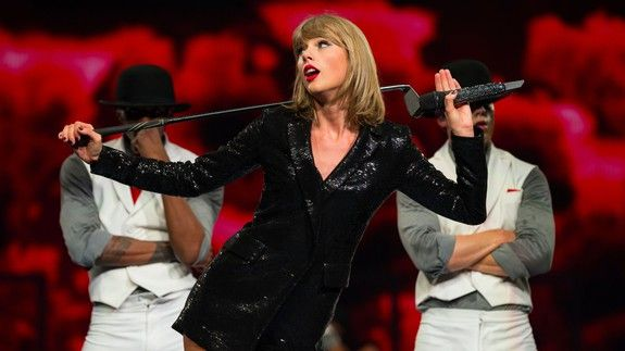 """The most surprising thing about Taylor Swift's new single is her personalized voicemail greeting  For an attempted rebrand Taylor Swift's new single """"Look What You Made Me Do"""" is pretty unsurprising. (Like why is the """"new Taylor"""" still rehashing old feuds?) Still there's a part of the song that is genuinely astounding  Taylor Swift age 27 has a personalized voicemail greeting.  And presumably her voice mailbox is not full! Amazing.  SEE ALSO: You'll never guess how many times 'Taylor Swift'…"""