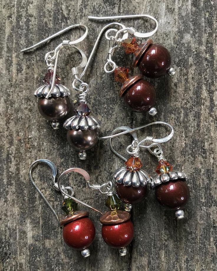 I'm not wishing the summer away bit I do love these acorn earrings!  . . . . . #acornearrings #fallearrings #autumnearrings #lovefall #thatsdarling #instajewellery #instajewelry #embracingautumn #inspiredbynature #inspiredbytheforest #inspiredbytrees #socharming #whimsicalpieces #fallaccessories #fridaystyle #swarovskicrystals #swarovskipearls #makermum #whilehenaps #creativemum #pinterest