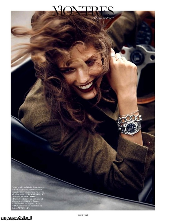 Kendra Spears in 'L'Heure Du Départ' - Photographed by Lachlan Bailey (Vogue Paris November 2012)    Complete shoot after the click...