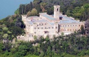 Vente immobilière de prestige Château sur île Italie Pérouse Ombrie