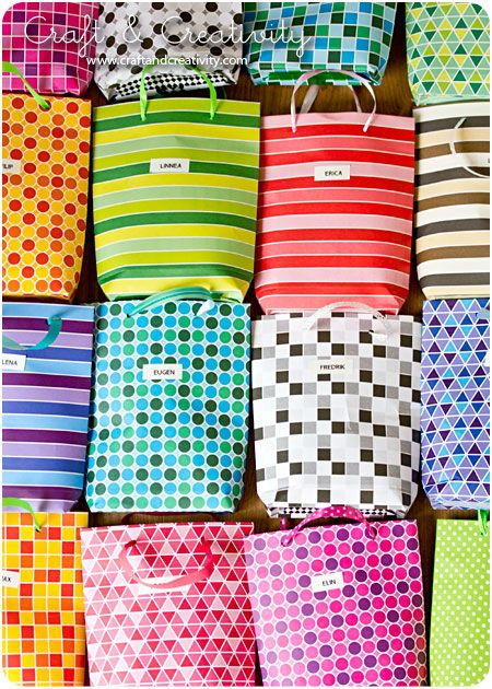 How to make a party bag. Photo tutorial. Very easy to make.Gift Bags, Bags Tutorials, Diy Parties, Paper Bags, Diy Bags, Diy Gifts, Paper Gift, Parties Bags, Handmade Gift