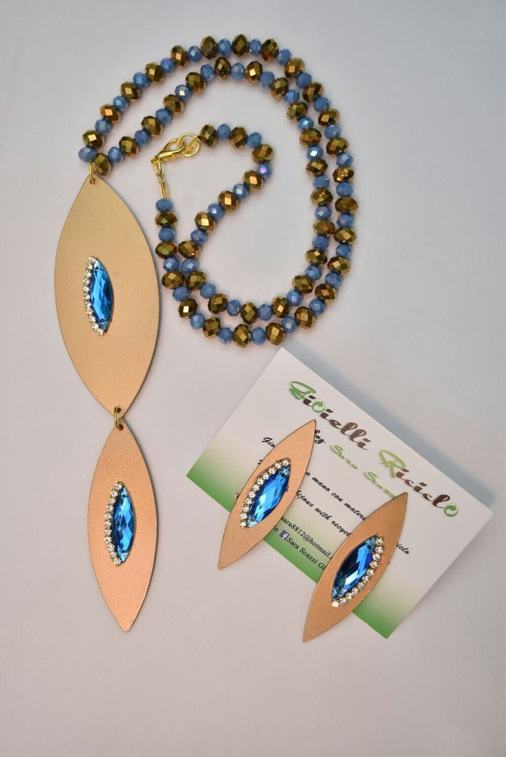 Collana e orecchini realizzati con vecchi cd.  #recycle #riciclo