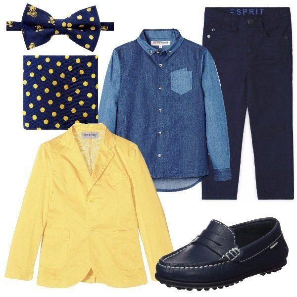 Per un piccolo protagonista ad una cerimonia, propongo papillon e fazzoletto a pois su camicia di jeans. Giacca gialla e mocassino blu come i pantaloni. Pensato per bimbi dai 5 anni in sù.
