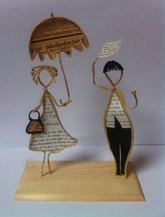 """petite composition poétique: """"Rencontre sous la pluie""""  Dimensions:   Longueur: 14 cm  Hauteur: 18 cm  Les sujets sont réalisés en papier imprimé que je choisis soigneus - 20305532"""