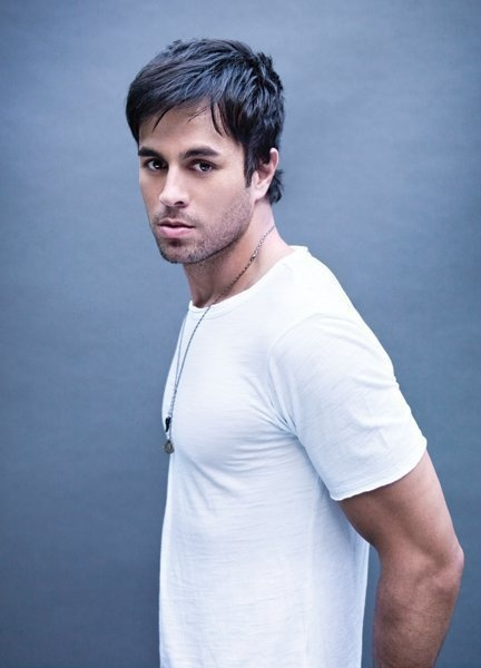 Enrique Inglesias in a white t-shirt