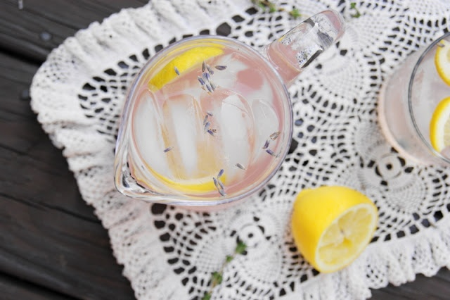 The Kitchen is My Playground: Lavender Lemonade - I will be using doTerra Lavender oil in mine - YUM!