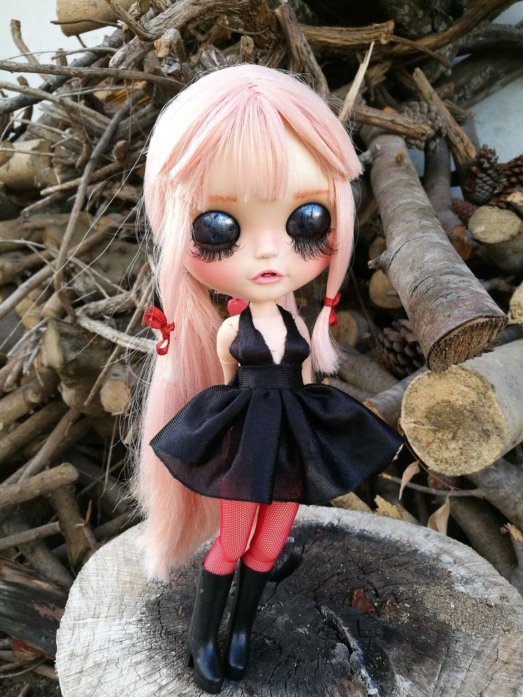 Yuno. Custom Eve´s dream shop. more in facebook https://www.facebook.com/Eve-s-dream-shop-1682810958652541/ #Blythe #blythedoll #customblythe #blythecustom #gasaiyuno #mirainikki #evesdreamshop