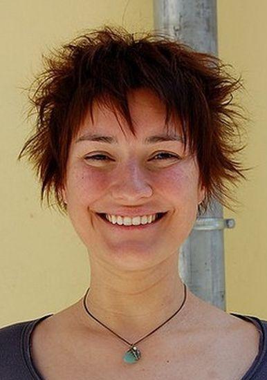 fryzury krótkie, brązowe włosy cieniowane