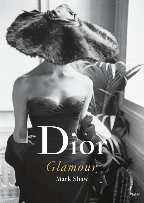 Une décennie Dior dans l'œil de Mark Shaw http://www.vogue.fr/mode/news-mode/diaporama/une-decennie-dior-dans-l-oeil-de-mark-shaw/16201