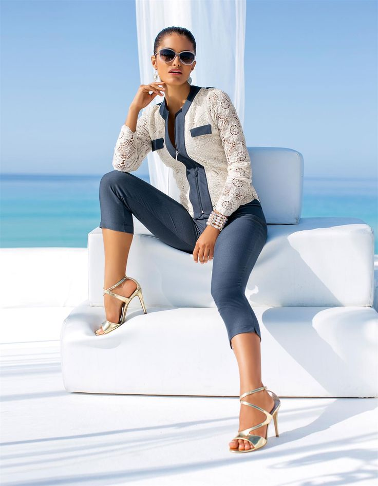 Jacket in the color denim-coloured - blue, white - in the MADELEINE online collection