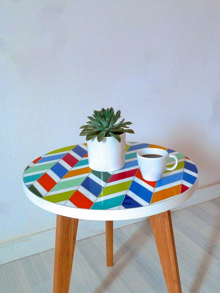 Table basse sur-mesure en verre - colorée - chevrons - multicolore