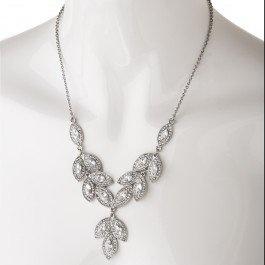 Stunning vintage inspired diamante drop necklace.