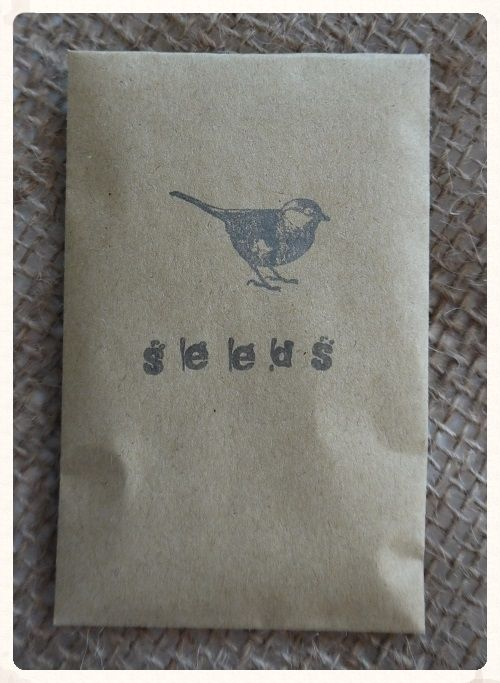 Bird seed confetti packets. A set of 10 decorated small brown envelopes containg 10g of countryside wild bird special mix seeds. Only £2.49. www.picketfenceweddings.co.uk