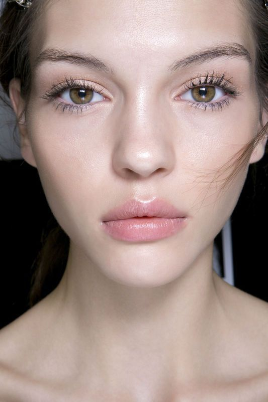 Very pretty, dewy makeup