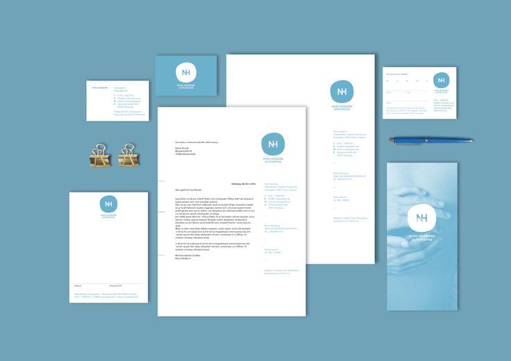 Konzeption und Gestaltung eines Corporate Designs für die Osteopathin Nora Heidborn. Ziel war es eine Bildmarke zu gestalten, die sich von anderen Beispielen in diesem Marksegment abhebt und gleichzeitig einen persönlichen und individuellen Charakter hat. Im Zuge der Gestaltung des Erscheinungsbildes entstand eine Geschäftsausstattung, eine Webseite und ein Flyer. Konzept und Gestaltung Anna Beddig