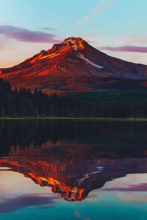 Twilight on Mount Hood.by Nicholas Peter Wilson