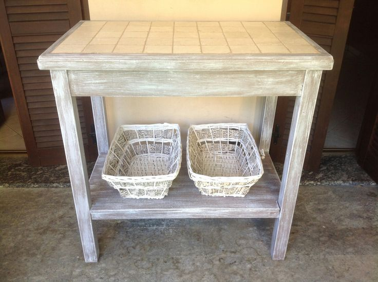 Un tavolo da lavoro destinato alla discarica e rinato a nuova vita.