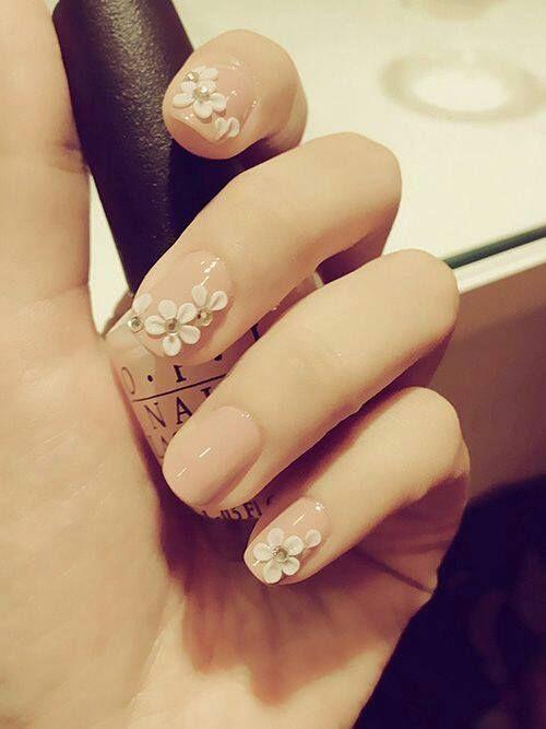 beige con flores de acrilico