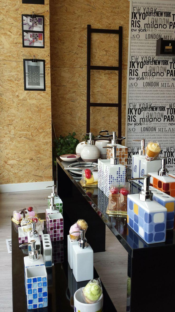 Accesorios de ba o en porcelana con dise os alegres for Accesorios bano diseno italiano