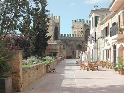 Alcudia, Majorca - My favourite market, know it so well and feel really relaxed here!
