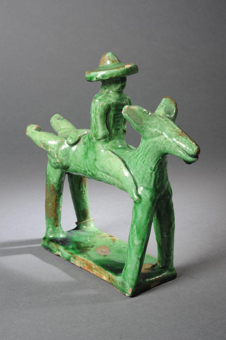 Sifflet tubulaire en forme de saint Bruno sur son âne © MuCEM / Christophe Fouin
