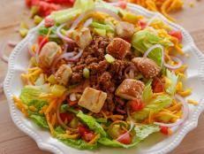 The Pioneer Woman:  Cheeseburger salad with sesame seed bun croutons