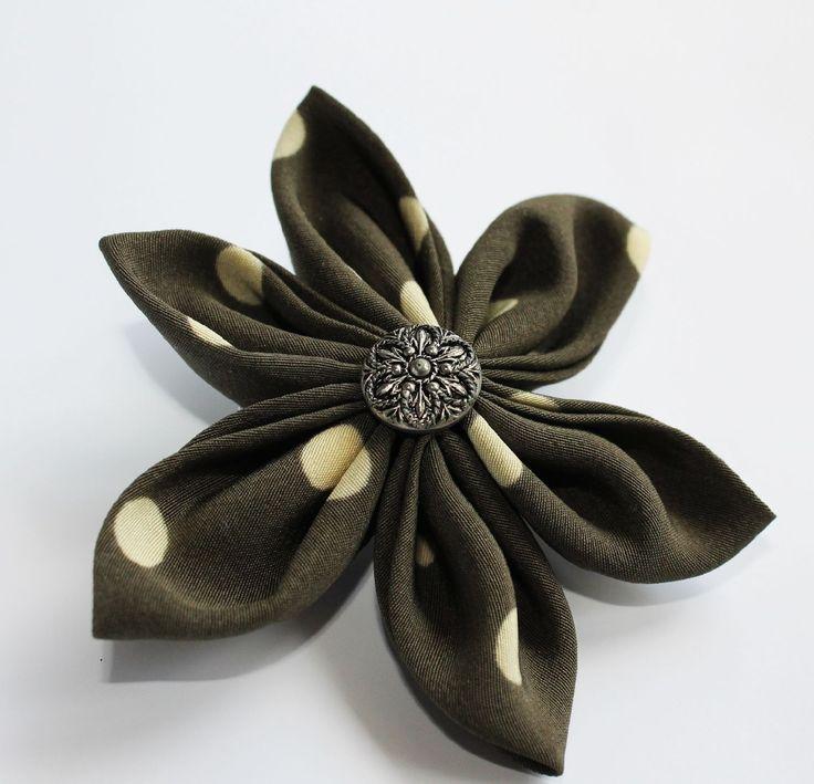 Broszka kwiat z tkaniny