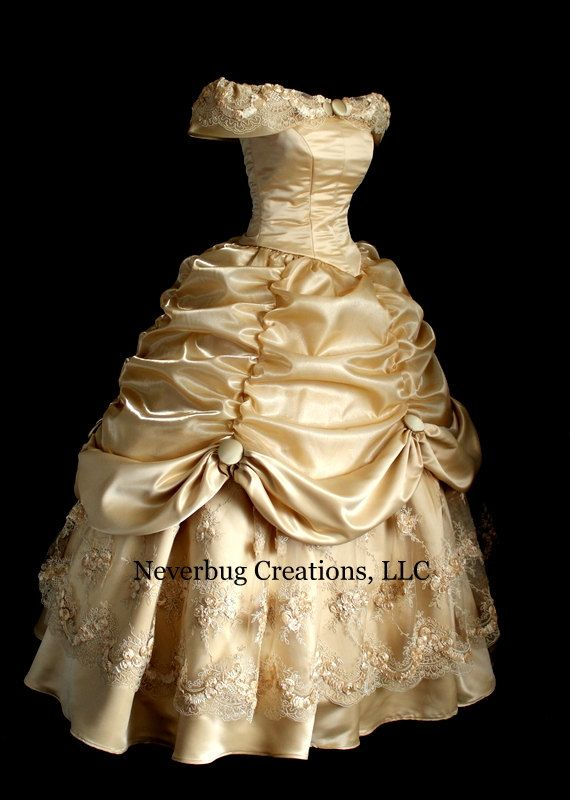 Beauté de la dentelle d'or et le Costume de par NeverbugCreations