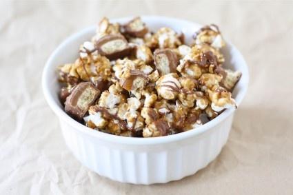 Twix-caramel popcorn | Favorite Recipes | Pinterest | Popcorn and ...