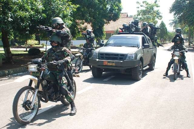 indonesian military | Military Vehicle Photos - Indonesian Army in training