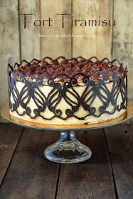 PIN - UP CAKE: Tort Tiramisu (z kremem bez żółtek)
