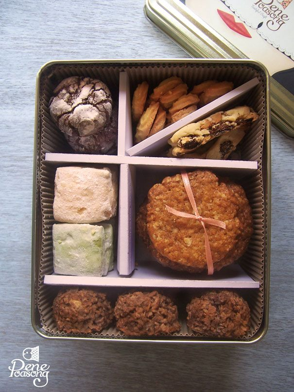 Assorted Cookies by Pene Poasong: Chocolate Crinkle, Viennese, Anzac, Coconut Macaroon, Green Tea Shortbread, Russian Tea Cake