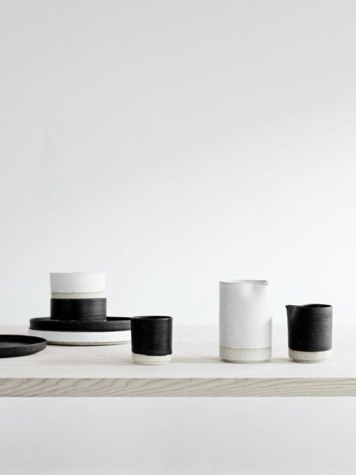 kitchen things: Teas Time, Home Interiors, Yellow Photography, Black And White, Nordic Design, Pottery, Black White, Products, White Ceramics