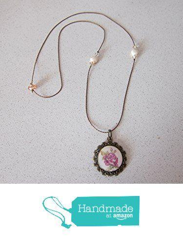 Collar vintage hecho a mano con rosa, resina de cristal y swarovskis. Ideal para el día de los enamorados. de Joyería y Bisutería artesanal Oscurarosa https://www.amazon.es/dp/B01MZCK2RL/ref=hnd_sw_r_pi_awdo_DcpHyb526S3X3 #handmadeatamazon