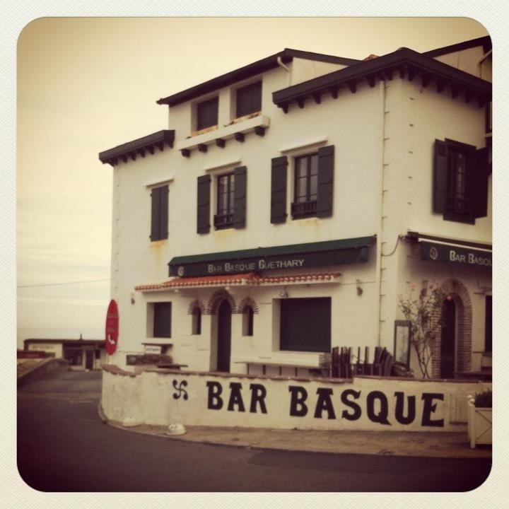 les 1049 meilleures images du tableau mon pays sur pinterest sud ouest pays basque et bayonne. Black Bedroom Furniture Sets. Home Design Ideas