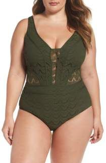 Free shipping and returns on Becca Etc Prairie Rose Tankini Top (Plus Size) at Nordstrom.com. Halter ties and reinforced side stays provide support and lift in a beachy crocheted top that falls to a flattering handkerchief hem.