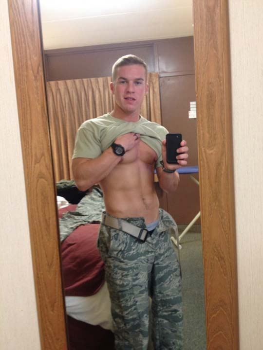 195 Best Guys With Iphones Images On Pinterest  Hot Guys -3132