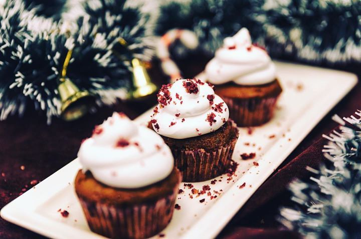 When stressed and in doubt Cupcake it out!  #thatphotographer #foodphotograpghy #foodporn #cupcakes #redvelvet #christmasiscoming #shotoftheday #dessertstagram #mumbai