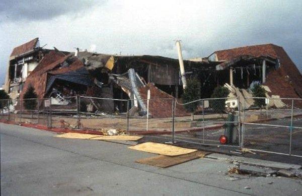 Bullock's store in the Northridge Fashio Center that collapsed during the 1994 Northridge Earthquake: LAist
