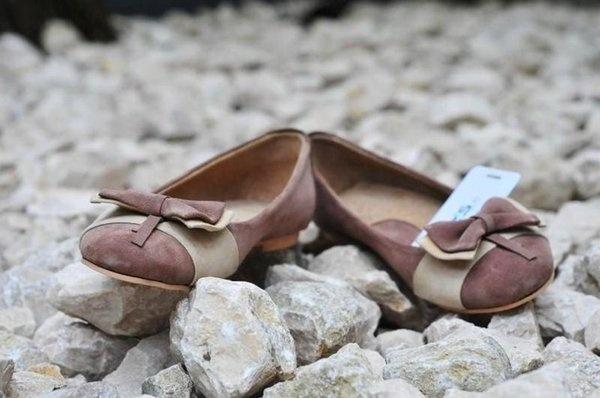 balerini  pret: 210 RON pt comenzi: incaltamintedinpiele@gmail.com