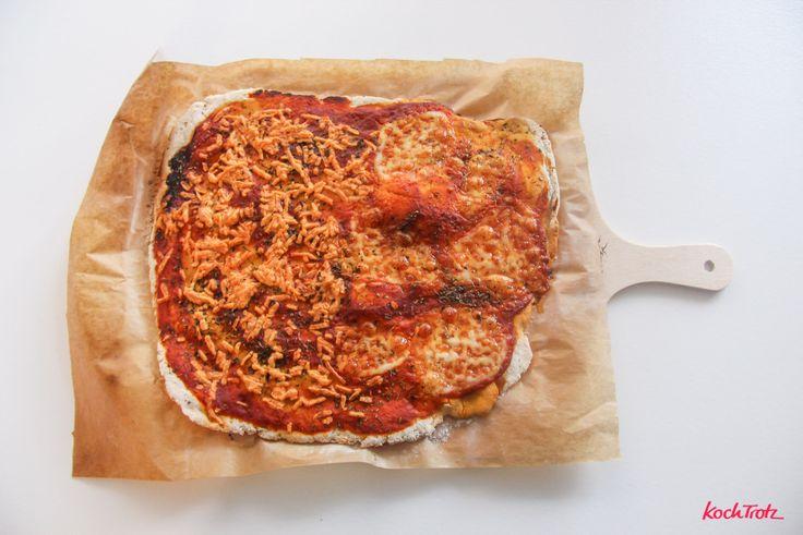 Glutenfreier Pizzateig mit Hefe und hefefreier Variante – ohne Fertigmehl – ohne Tomatensauce – histaminarm – mit Schritt-für-Schritt Videoanleitung | kochtrotz - Rezepte für Gluten-Unverträglichkeit, Fructose-Intoleranz, Laktose-Intoleranz, Histamin-Intoleranz, Zöliakie, Sorbit-Intoleranz, jetzt auch vegan und sojafrei